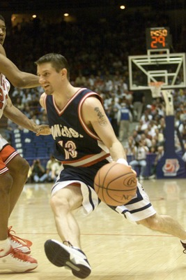 16 Mar 2000:  Matt Santangelo of Gonzaga drives against Louisville during the first round of the Western Regional NCAA Tournament at the McKale Center in Tucson, Arizona. X DIGITAL IMAGE Mandatory Credit: Jed Jacobsohn/ALLSPORT