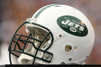 SAN DIEGO - JANUARY 17:  A New York Jets helmet sits on the sidelines during the AFC Divisional Playoff Game against the San Diego Chargers at Qualcomm Stadium on January 17, 2010 in San Diego, California.  (Photo by Stephen Dunn/Getty Images)