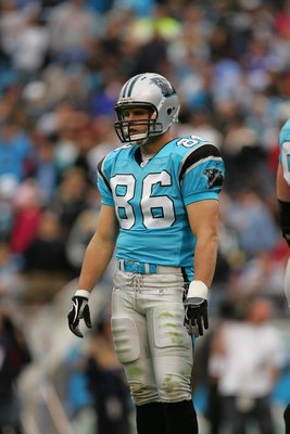 CHARLOTTE, NC - NOVEMBER 19:  Tight end Kris Mangum #86 of the Carolina Panthers looks on against the St. Louis Rams on November 19, 2006 at Bank of America Stadium in Charlotte, North Carolina. The Panthers won 15-0. (Photo by Streeter Lecka/Getty Images