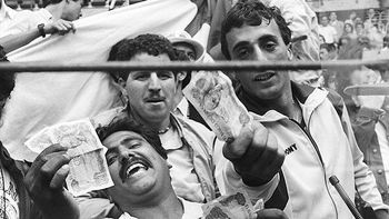 Soccer_ap_algerian_fans_576_display_image_display_image