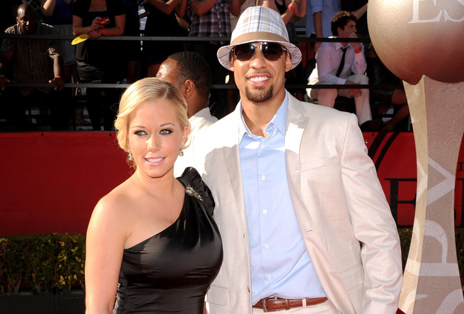 LOS ANGELES, CA - JULY 14:  TV personality Kendra Wilkinson and husband NFL player Hank Baskett arrive at the 2010 ESPY Awards at Nokia Theatre L.A. Live on July 14, 2010 in Los Angeles, California.  (Photo by Jason Merritt/Getty Images)