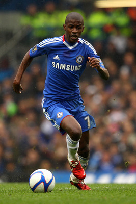 LONDON, ENGLAND - FEBRUARY 19:  Ramires of Chelsea runs with the ball during the FA Cup sponsored by E.ON 4th round replay match between Chelsea and Everton at Stamford Bridge on February 19, 2011 in London, England.  (Photo by Richard Heathcote/Getty Ima