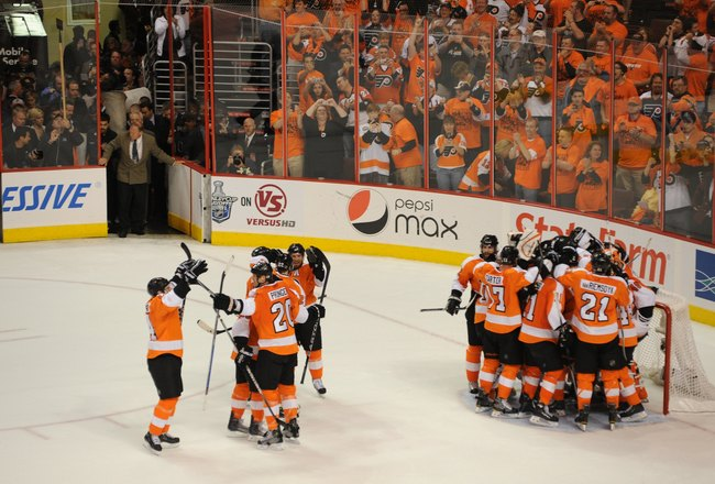 PHILADELHIA - MAY 24: The Philadelphia Flyers celebrate winning Game 5 of the Eastern Conference Finals against the Montreal Canadiens during the 2010 NHL Stanley Cup Playoffs at Wachovia Center on May 24, 2010 in Philadelphia, Pennsylvania. (Photo by: Mi