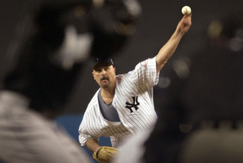 BRONX, NY - OCTOBER 18: Pitcher David Wells #33 of the New York Yankees delivers a pitch against the Florida Marlins during game 1 of the Major League Baseball World Series on October 18, 2003 at Yankee Stadium in the Bronx, New York.  (Photo by Kathy Wil