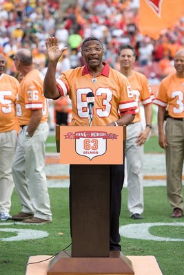 TAMPA, FL - NOVEMBER 08:  Hall of Fame defensive end Lee Roy Selmon is inducted into the Buccanners Ring of Honor at halftime of the Tampa Bay Buccaneers game against the Green Bay Packers at Raymond James Stadium on November 8, 2009 in Tampa, Florida. Th