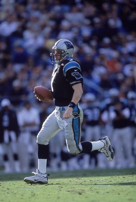 12 Nov 2000:   Quarterback Steve Beuerlein #7 of the Carolina Panthers runs with the ball during the game against the New Orleans Saints at the Ericsson Stadium in Charlotte, North Carolina.  The Panthers defeated the Saints 20-10.Mandatory Credit: Craig