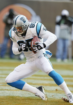 CLEVELAND - DECEMBER 1:  Wesley Walls #85 of the Carolina Panthers catches a touchdown pass in the first half against the Cleveland Browns on December 1, 2002 at Browns Stadium in Cleveland, Ohio.  Carolina won the game 13-6. (Photo by Tom Pidgeon/Getty I