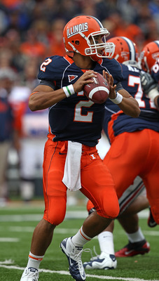 CHAMPAIGN, IL - OCTOBER 02: Nathan Scheelhaase #2 of the Illinois Fighting Illini looks for a receiver against the Ohio State Buckeyes at Memorial Stadium on October 2, 2010 in Champaign, Illinois. Ohio State defeated Illinois 24-13. (Photo by Jonathan Da
