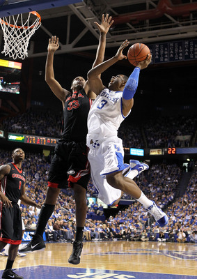 LEXINGTON, KY - JANUARY 29:  Terrence Jones #3 of the Kentucky Wildcats shoots the ball while defended by Trey Thompkins #33 of the Georgia Bulldogs during the SEC game at Rupp Arena on January 29, 2011 in Lexington, Kentucky. Kentucky won 66-60.  (Photo