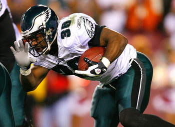 LANDOVER, MD - DECEMBER 21:  Running back Brian Westbrook #36 of the Philadelphia Eagles rushes upfield against the Washington Redskins during the game on December 21, 2008 at FedEx Field in Landover, Maryland.  (Photo by Kevin C. Cox/Getty Images)