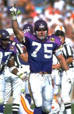 12 NOV 1989:  MINNESOTA VIKINGS DEFENSIVE LINEMAN KEITH MILLARD CELEBRATES DURING THE VIKINGS 24-10 WIN OVER THE TAMPA BAY BUCCANEERS AT TAMPA BAY STADIUM IN TAMPA BAY, FLORIDA.  MANDATORY CREDIT:  SCOTT HALLERAN /ALLSPORT