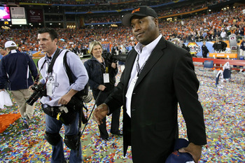 GLENDALE, AZ - JANUARY 10:  Former Auburn Tigers player Bo Jackson celebrates the Tigers 22-19 victory against the Oregon Ducks during the Tostitos BCS National Championship Game at University of Phoenix Stadium on January 10, 2011 in Glendale, Arizona.