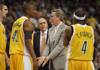 TAMPA, FL - MARCH 21:  Coach Fran McCaffery of the Siena Saints talks with his team during a timeout in their game against the Vanderbilt Commodores in the first round of the 2008 NCAA Tournament Midwest Regional at the St. Pete Times Forum on March 21, 2
