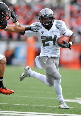 CORVALLIS, OR - DECEMBER 4: Kenjon Barner #24 of the Oregon Ducks runs with the ball in the second quarter of the game against te the Oregon State Beavers at Reser Stadium on December 4, 2010 in Corvallis, Oregon. (Photo by Steve Dykes/Getty Images)