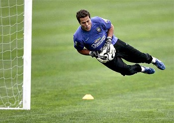 Julio_cesar__goleiro_do_brasil-other_display_image
