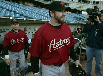 CHICAGO - OCTOBER 21:  Jeff Bagwell #5 (R) and Craig Biggio #7 of the Houston Astros enter the field for a workout on October 21, 2005 at U.S. Cellular Field in Chicago, Illinois. The Astros begin play in the World Series Saturday night against the Chicag