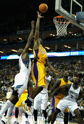 LONDON, ENGLAND - OCTOBER 04:  Theo Ratliff of the Los Angeles Lakers (C)  in action during the NBA Europe Live match between the Los Angeles Lakers and the Minnesota Timberwolves at the O2 arena on October 4, 2010 in London, England.  (Photo by Bryn Lenn
