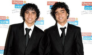 Rafael-and-fabio-da-silva-001_display_image