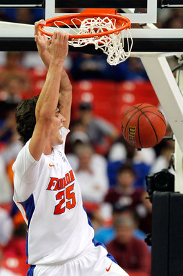 ATLANTA, GA - MARCH 12:  Chandler Parsons #25 of the Florida Gators dunks against the Vanderbilt Commodores during the semifinals of the SEC Men's Basketball Tournament at Georgia Dome on March 12, 2011 in Atlanta, Georgia.  (Photo by Kevin C. Cox/Getty I