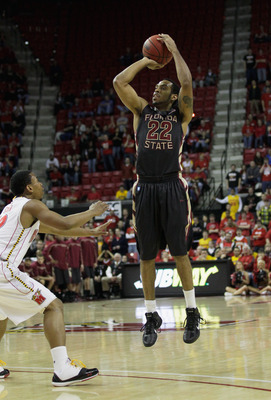 COLLEGE PARK, MD - FEBRUARY 23: Derwin Kitchen #22 of the Florida State Seminolesshoots against the Maryland Terrapins at the Comast Center on February 23, 2011 in College Park, Maryland.  (Photo by Rob Carr/Getty Images)