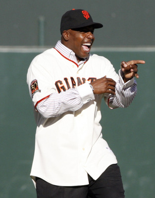 SAN FRANCISCO - AUGUST 9: Barry Bonds motions to fans during a San Francisco Giants 50th Anniversary celebration before the game between the Los Angeles Dodgers and San Francisco Giants at AT&T Park on August 9, 2008 in San Francisco, California. (Photo b