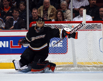 ANAHEIM, CA - JANUARY 12:  Jonas Hiller #1 of the Anaheim Ducks tends net against the St. Louis Blues at the Honda Center on January 12, 2011 in Anaheim, California.  (Photo by Bruce Bennett/Getty Images)