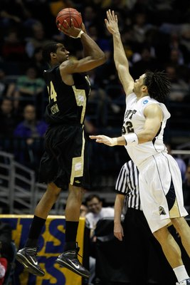 Oakland's Keith Benson (left) returns for his second consecutive NCAA tournament.