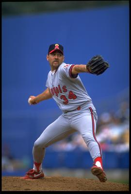 5 APR 1992:  CALIFORNIA ANGELS PITCHER BRYAN HARVEY WINDS UP TO PITCH DURING THE ANGELS VERSUS LOS ANGELES DODGERS FREEWAY SERIES GAME AT DODGER STADIUM IN LOS ANGELES, CALIFORNIA.  MANDATORY CREDIT:  KEN LEVINE/ALLSPORT