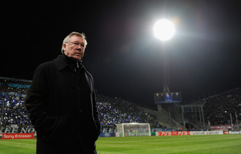 MARSEILLE, FRANCE - FEBRUARY 23:  Sir Alex Ferguson, manager of Manchester United walks out during the UEFA Champions League round of 16 first leg match between Marseille and Manchester United at the Stade Velodrome on February 23, 2011 in Marseille, Fran