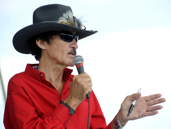 DOVER, DE - SEPTEMBER 20:  Richard Petty speaks to fans during practice for the NASCAR Sprint Cup Series Camping World RV 400 at Dover International Speedway on September 20, 2008 in Dover, Delaware.  (Photo by Jeff Zelevansky/Getty Images for NASCAR)
