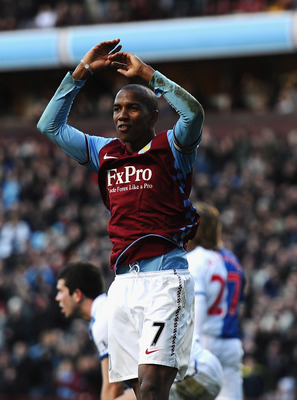 BIRMINGHAM, ENGLAND - FEBRUARY 26:  Ashley Young of Aston Villa celebrates his second goal during the Barclays Premier League match between Aston Villa and Blackburn Rovers at Villa Park on February 26, 2011 in Birmingham, England.  (Photo by Laurence Gri