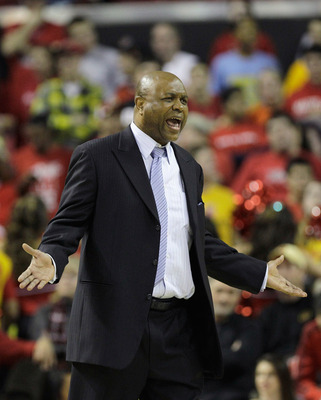COLLEGE PARK, MD - FEBRUARY 23:  Leonard Hamilton, head coach of the  Florida State Seminoles yells at an official against the Maryland Terrapins at the Comast Center on February 23, 2011 in College Park, Maryland.  (Photo by Rob Carr/Getty Images)