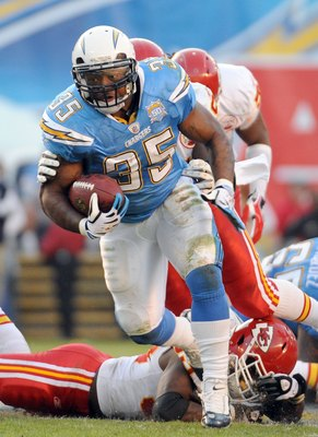 SAN DIEGO - NOVEMBER 29:  Mike Tolbert #35 of the San Diego Chargers carries the ball against the Kansas City Chiefs at Qualcomm Stadium on November 29, 2009 in San Diego, California.  (Photo by Harry How/Getty Images)