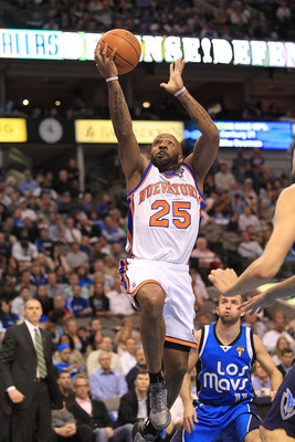 DALLAS, TX - MARCH 10:  Anthony Carter #25 of the New York Knicks at American Airlines Center on March 10, 2011 in Dallas, Texas.  NOTE TO USER: User expressly acknowledges and agrees that, by downloading and or using this photograph, User is consenting t