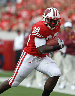 MADISON, WI - SEPTEMBER 18: Montee Ball #28 of the Wisconsin Badgers runs against the Arizona State Sun Devils at Camp Randall Stadium on September 18, 2010 in Madison, Wisconsin. Wisconsin defeated Arizona State 20-19. (Photo by Jonathan Daniel/Getty Ima