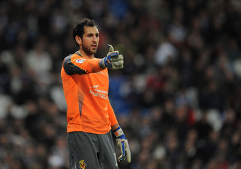 MADRID, SPAIN - JANUARY 09:  Diego Lopez of Villarreal signals to a teammate during the La Liga match between Real Madrid and Villarreal at Estadio Santiago Bernabeu on January 9, 2011 in Madrid, Spain.  (Photo by Denis Doyle/Getty Images)