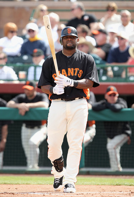 SCOTTSDALE, AZ - MARCH 01:  Pablo Sandoval #48 of the San Francisco Giants bats against the Chicago Cubs during the spring training game at Scottsdale Stadium on March 1, 2011 in Scottsdale, Arizona.  (Photo by Christian Petersen/Getty Images)