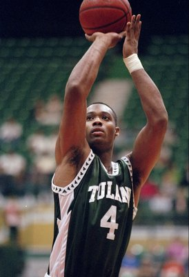 24 Jan 1998:  Forward LeDaryl Billingsley of the Tulane Green Wave shoots the ball during a game against the Southern Florida Bulls at the Tampa Sun Dome in Tampa, Florida.  USF won the game, 82-63. Mandatory Credit: Scott Halleran  /Allsport