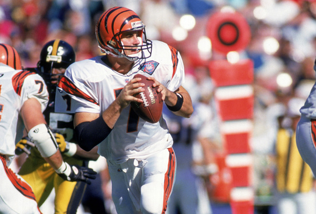 CINCINNATI - OCTOBER 16:  Quarterback David Klingler #7 of the Cincinnati Bengals drops back to pass during the game against the Pittsburgh Steelers at Three Rivers Stadium on October 16, 1994 in Pittsburgh, Pennsylvania.   The Pittsburgh defeated the Ben