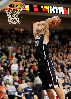 LAS VEGAS, NV - MARCH 07:  Robert Sacre #00 of the Gonzaga Bulldogs dunks during the team's 75-63 victory over the Saint Mary's Gaels in the championship game of the Zappos.com West Coast Conference Basketball tournament at the Orleans Arena March 7, 2011