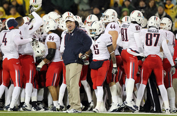 EUGENE, OR - NOVEMBER 26:  Head Coach Mike Stoops of the Arizona Wildcats walks the sidelines against the Oregon Ducks on November 26, 2010 at the Autzen Stadium in Eugene, Oregon.  (Photo by Jonathan Ferrey/Getty Images)