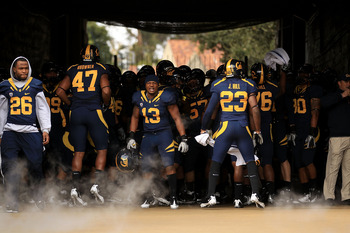 BERKELEY, CA - NOVEMBER 20:  Players of the California Golden Bears get ready to run on to the field for their game against the Stanford Cardinal at California Memorial Stadium on November 20, 2010 in Berkeley, California.  (Photo by Ezra Shaw/Getty Image