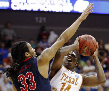 Slideshow_1002113578_ncaa_arizona_texas_basket-6_display_image