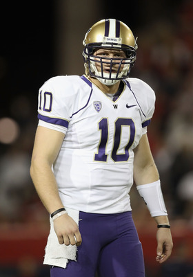 TUCSON, AZ - OCTOBER 23:  Quarterback Jake Locker #10 of the Washington Huskies during the college football game against the Arizona Wildcats at Arizona Stadium on October 23, 2010 in Tucson, Arizona. The Wildcats defeated the Huskies 44-14.  (Photo by Ch
