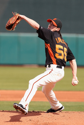 SCOTTSDALE, AZ - MARCH 01:  Starting pitcher Tim Lincecum #55 of the San Francisco Giants pitches against the Chicago Cubs during the spring training game at Scottsdale Stadium on March 1, 2011 in Scottsdale, Arizona.  (Photo by Christian Petersen/Getty I