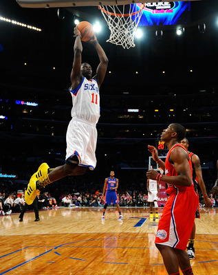LOS ANGELES, CA - FEBRUARY 18:  Jrue Holiday #11 of the Philadelphia 76ers and the Sophomore Team dunks the ball in the first half against the Rookie Team during the T-Mobile Rookie Challenge and Youth Jam at Staples Center on February 18, 2011 in Los Ang