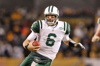 PITTSBURGH, PA - JANUARY 23:  Mark Sanchez #6 of the New York Jets runs dow field during their 19 to 24 loss to the Pittsburgh Steelers in the 2011 AFC Championship game at Heinz Field on January 23, 2011 in Pittsburgh, Pennsylvania.  (Photo by Ronald Mar