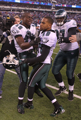 EAST RUTHERFORD, NJ - DECEMBER 19: DeSean Jackson #10 of the Philadelphia Eagles celebrates his game winning touchdown with teammates Jeremy Maclin #18 and Brodrick Bunkley #97 against the New York Giants at New Meadowlands Stadium on December 19, 2010 in