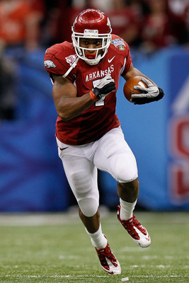 NEW ORLEANS, LA - JANUARY 04:  Knile Davis #7 of the Arkansas Razorbacks runs the ball against the Ohio State Buckeyes during the Allstate Sugar Bowl at the Louisiana Superdome on January 4, 2011 in New Orleans, Louisiana.  (Photo by Kevin C. Cox/Getty Im