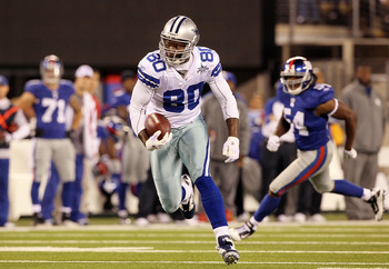 EAST RUTHERFORD, NJ - NOVEMBER 14: Martellus Bennett #80 of the Dallas Cowboys runs a reception against the New York Giants on November 14, 2010 at the New Meadowlands Stadium in East Rutherford, New Jersey.  (Photo by Jim McIsaac/Getty Images)